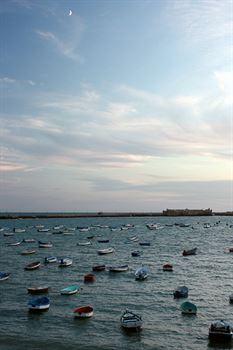 Cádiz entre dos mares
